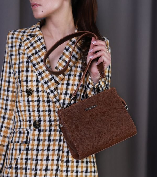 Деловая темно-оранжевая женская сумка FBR-2470