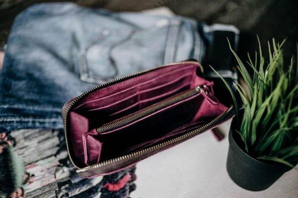 Деловой фиолетовый кошелек BNZ-2483