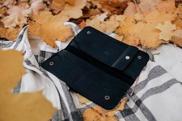 Солидный черный кошелек BNZ-3728