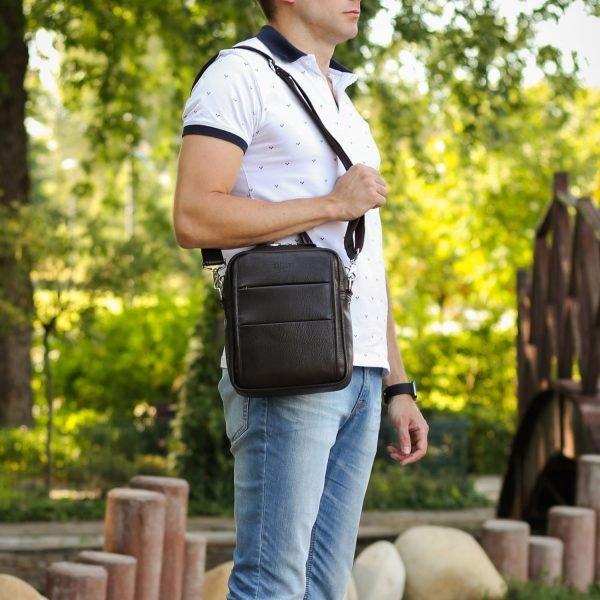 Вместительная коричневая мужская сумка через плечо BRL-34408