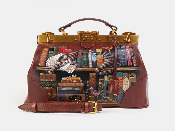 Кожаный светло-коричневый саквояж с росписью ATS-3604
