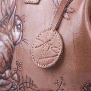 Стильная бежевая сумка с росписью ATS-1197