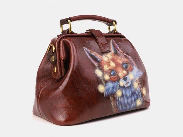 Функциональная светло-коричневая сумка с росписью ATS-3920