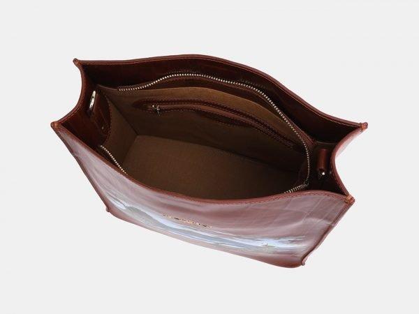 Солидная светло-коричневая сумка с росписью ATS-3931