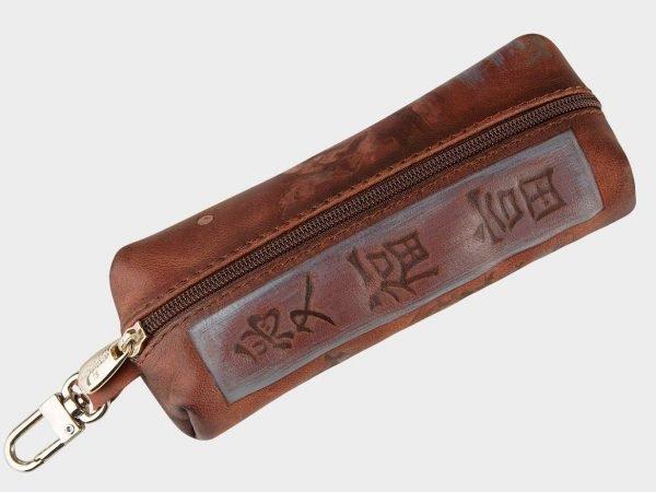 Вместительный коричневый аксессуар с росписью ATS-1547