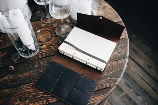 Вместительный коричневый ежедневник BNZ-3929