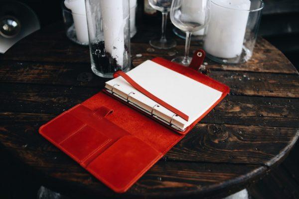 Деловой красный ежедневник BNZ-3934