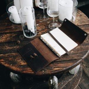 Солидный коричневый ежедневник BNZ-3940