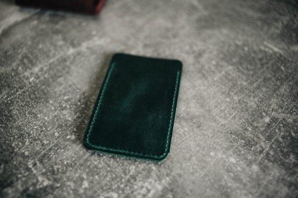 Модный зеленый картхолдер BNZ-2309