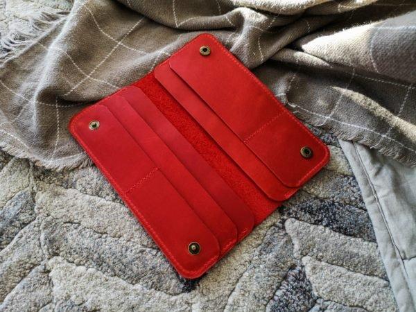 Солидный красный кошелек BNZ-4110