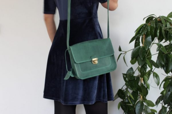 Модная зеленая сумка BNZ-2493