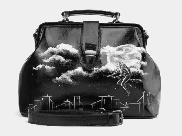 Функциональная черная сумка с росписью ATS-4006