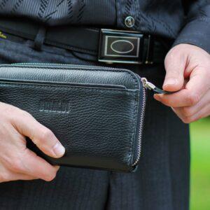 Неповторимый черный мужской портмоне клатч BRL-28616 229556