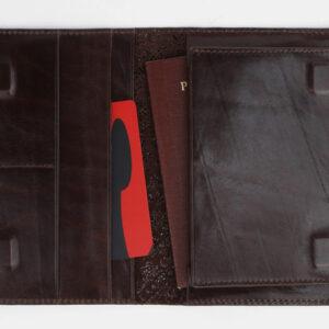 Стильная коричневая обложка для паспорта ATS-1705 233024