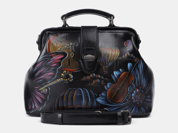 Удобная черная сумка с росписью ATS-4204